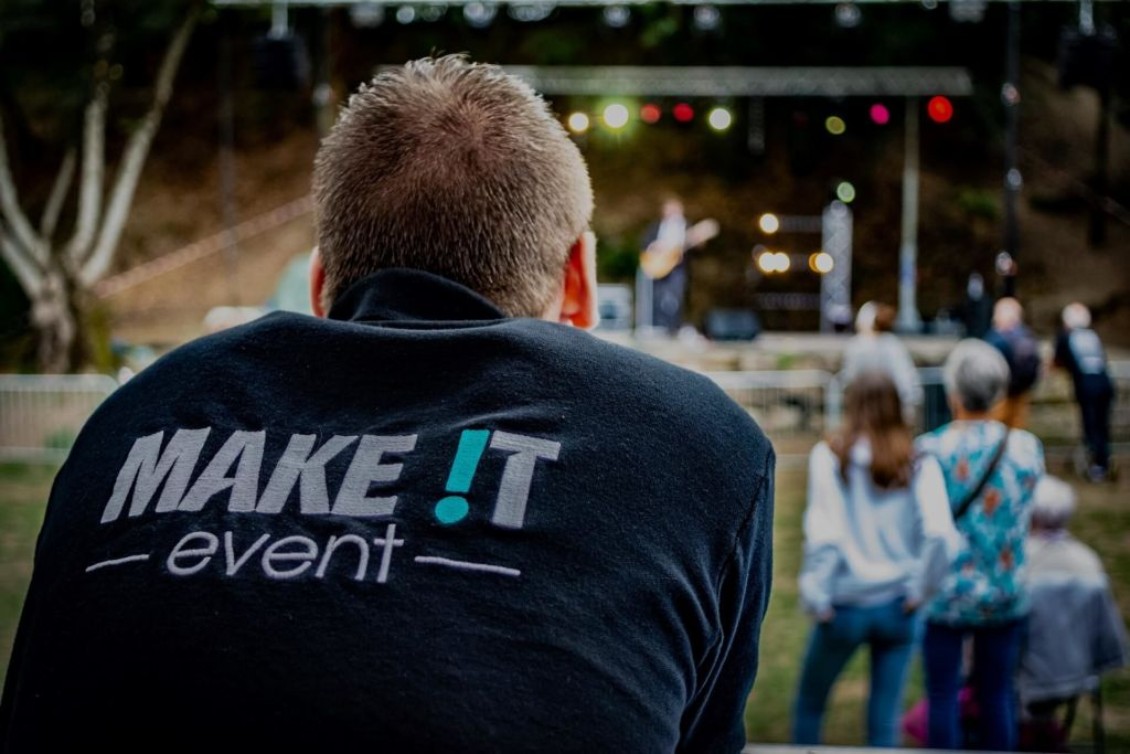 make it event